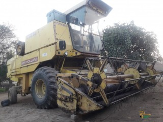 New Holland harvester 8060